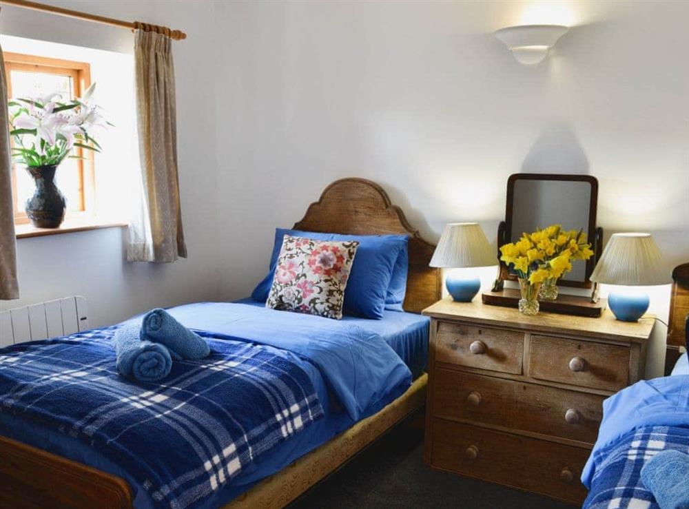 Twin bedroom at Foxglove,