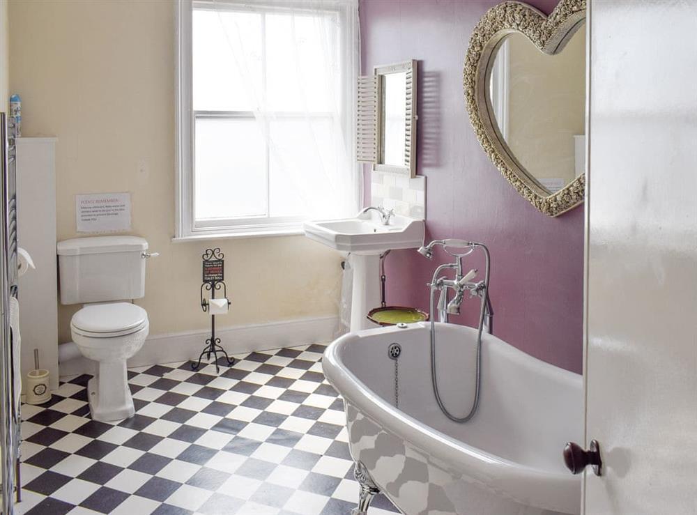 Family bathroom at Hidden Treasure,