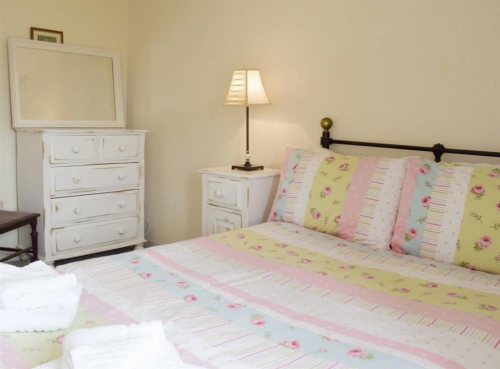 Peaceful double bedroom at Hidden Treasure,
