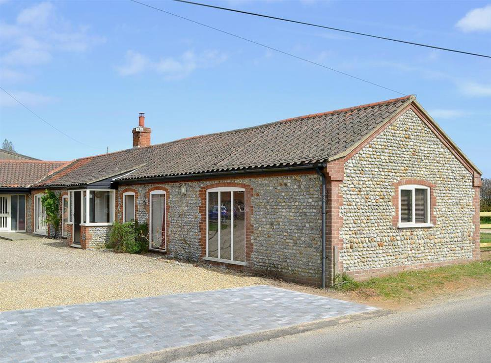 This excellent, single-storey barn conversion provides an ideal holiday home at Flint Barn,