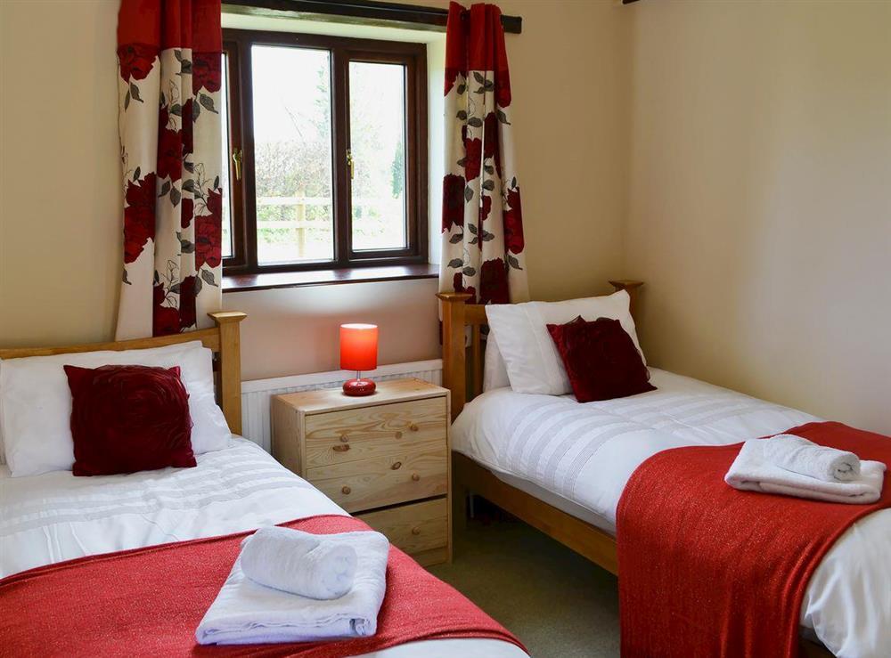 Twin bedroom at Flint Barn,