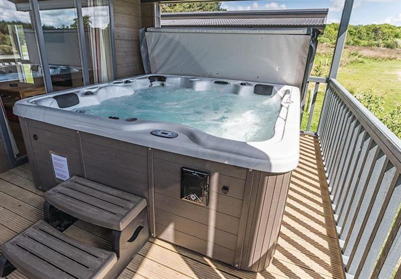 Lakeside 3 (photo number 13) at Woodhall Country Park Lodges in Woodhall Spa, Lincolnshire