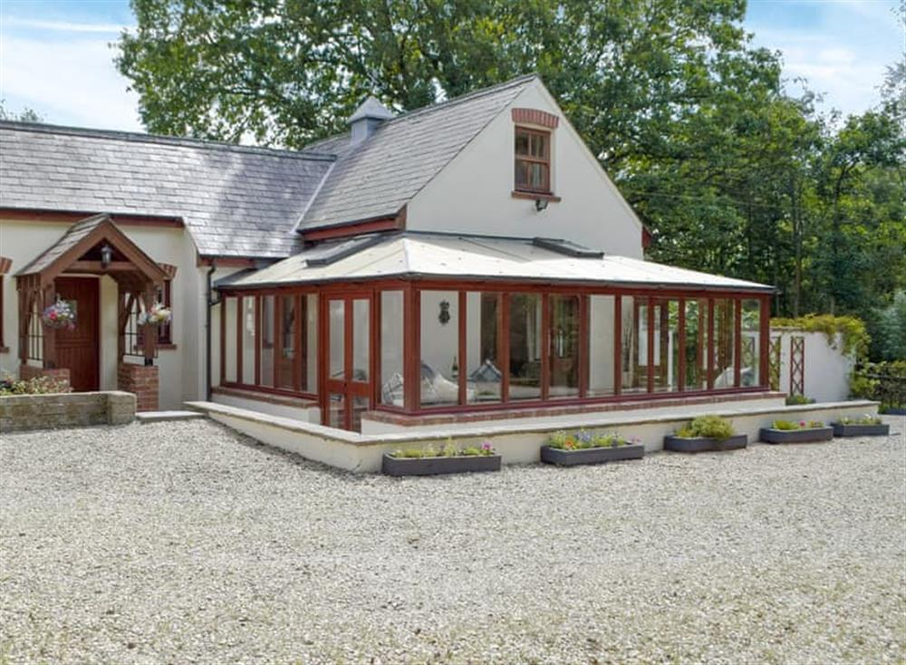 Wonderful holiday home at Woodpecker Rest in Llechryd, near Cardigan, Cardigan, Dyfed