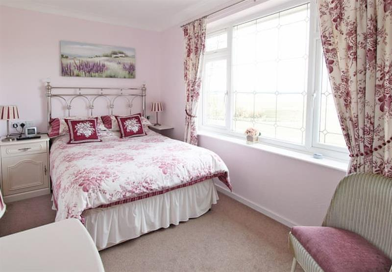 Double bedroom in the Honeysuckle Bungalow at Woodthorpe Leisure Park in Woodthorpe, Lincolnshire