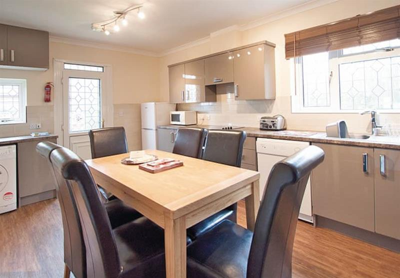 The kitchen in the Woodlands Bungalow at Woodthorpe Leisure Park in Woodthorpe, Lincolnshire