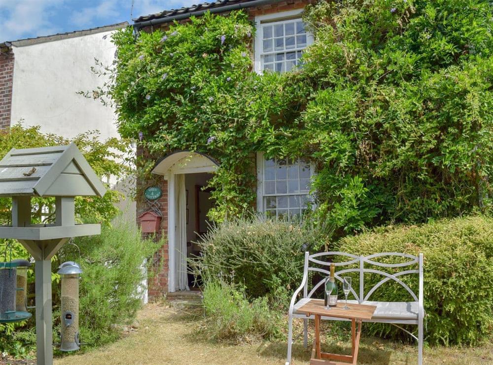 Charming holiday home at Wren Cottage in Wisset, near Halesworth, Suffolk